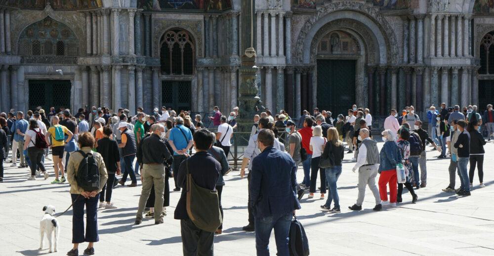 Coronavirus, c'è stato un balzo improvviso nei contagi in Italia