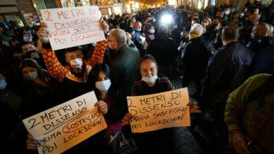 Photo of Le proteste di ristoratori, negozianti e cittadini contro il Dpcm: «Siamo a terra»