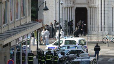 Photo of La Francia sotto attacco: 3 persone uccise nella cattedrale di Nizza, attentati ad Avignone e Gedda
