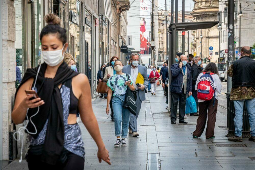 Coronavirus, l'ipotesi di un lockdown a Natale divide gli esperti e fa tremare l'economia