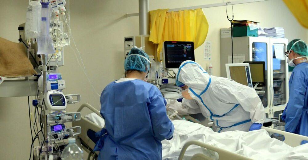 Coronavirus, superato lo stato di allerta sulle terapie intensive in 11 regioni