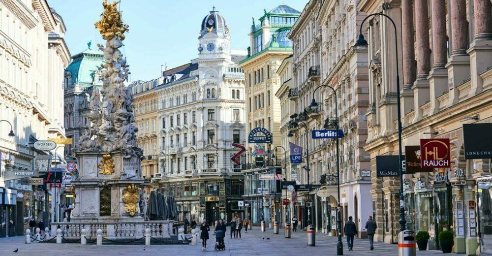 In Austria torna il lockdown totale: è il primo Paese in Europa
