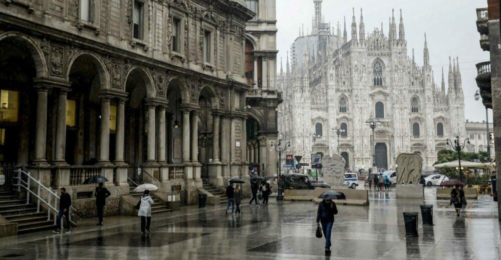 """L'Italia verso un """"lockdown leggero"""". Cosa significa"""